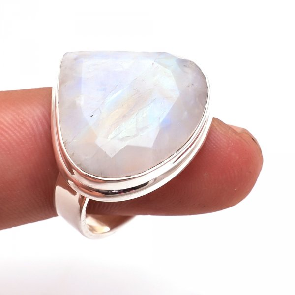 Rainbow Moonstone 925 Sterling Silver Ring Size 6.5