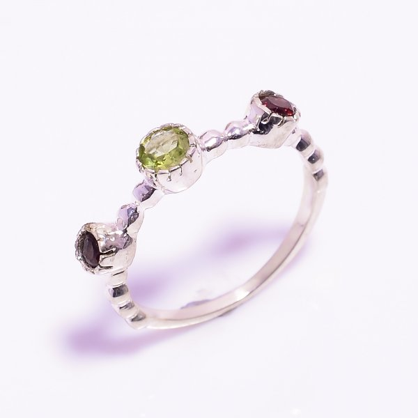 Peridot Garnet Gemstone 925 Sterling Silver Ring Size US 8