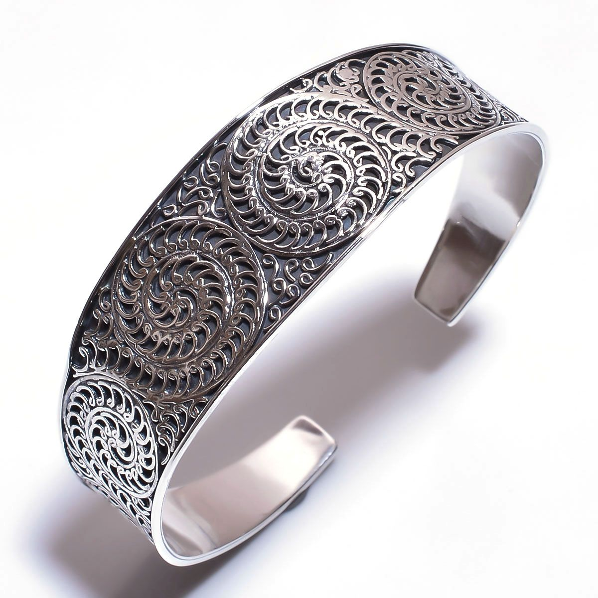 925 Sterling Silver Designer Fine Bangle