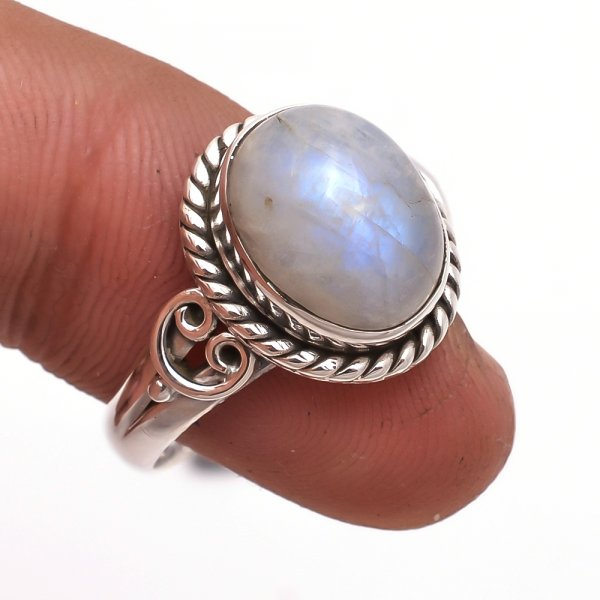 Rainbow Moonstone 925 Sterling Silver Ring Size 8