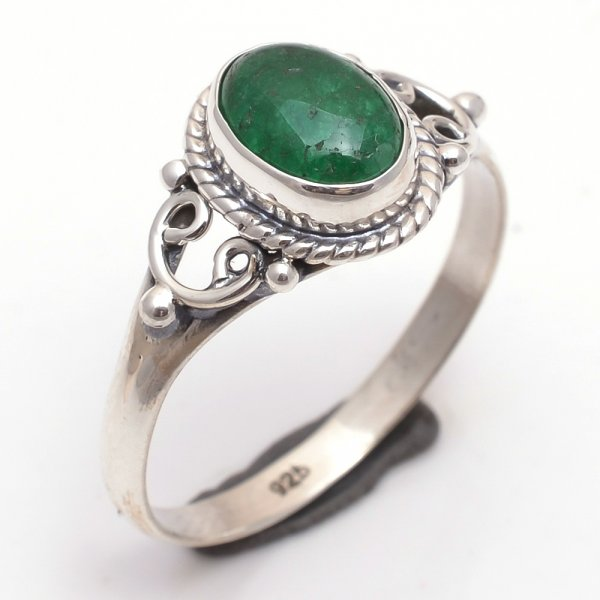 Green Jade Gemstone 925 Sterling Silver Ring Size 9