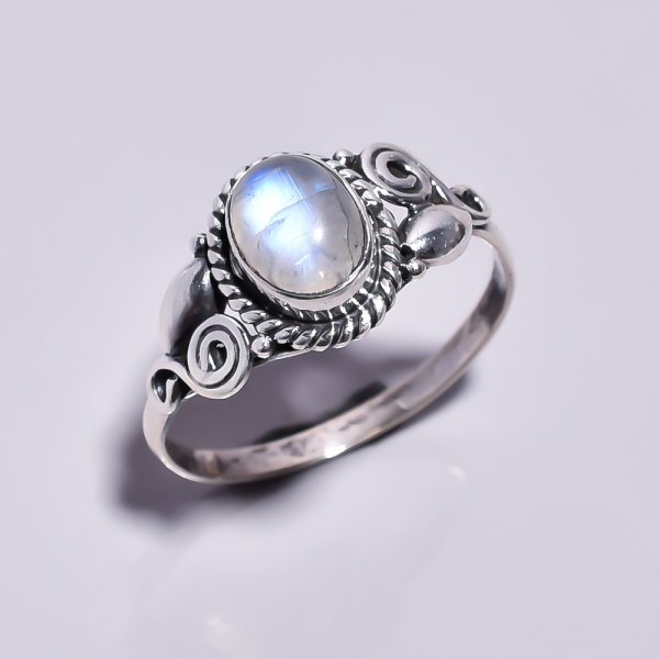 Rainbow Moonstone 925 Sterling Silver Ring Size 8.25