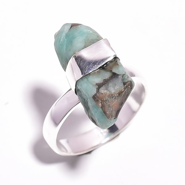 Emerald Raw Gemstone 925 Sterling Silver Ring Size 8